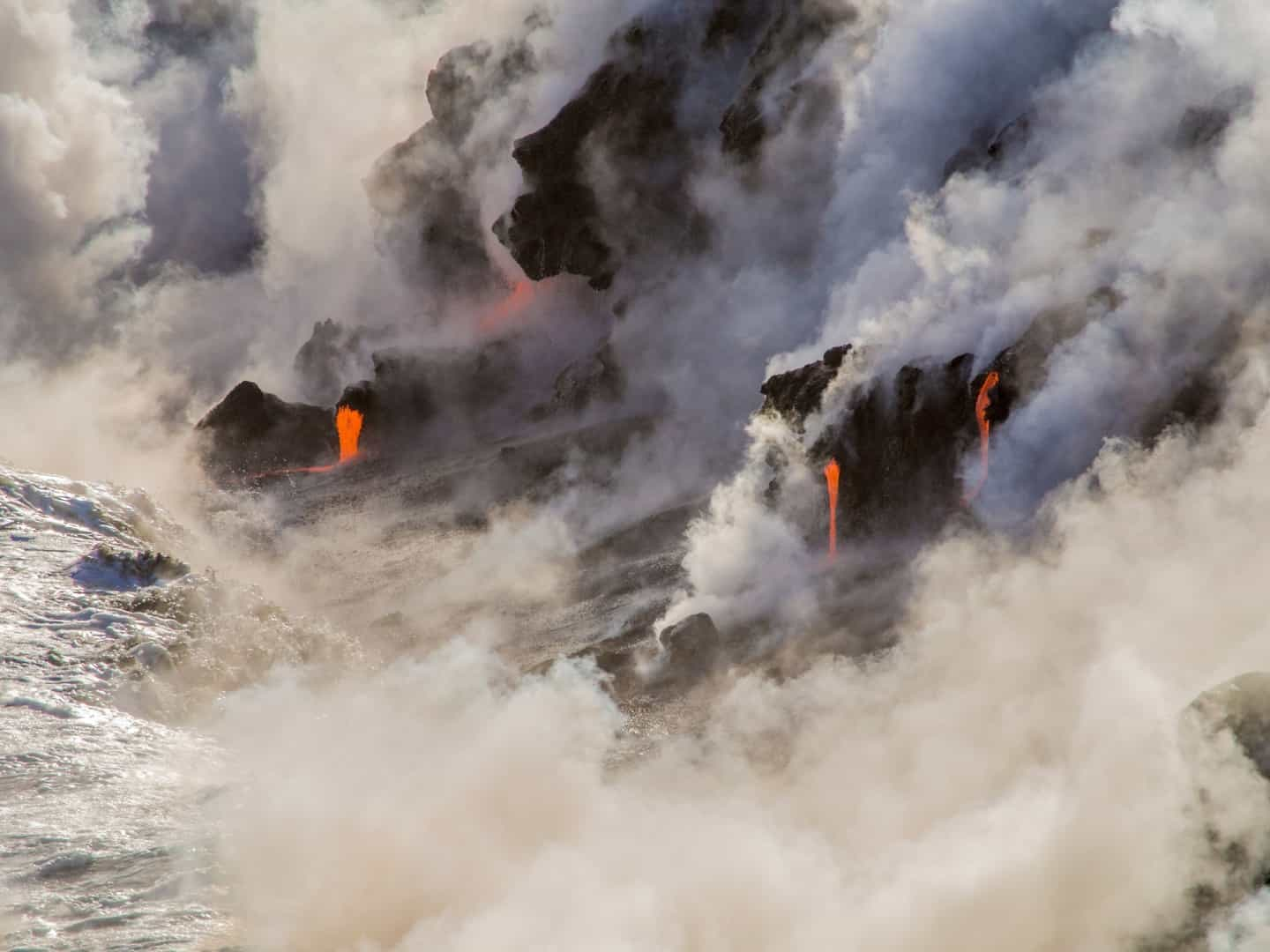 sea-cloud-steam-wave-stone-volcano-157022-pxhere.com_